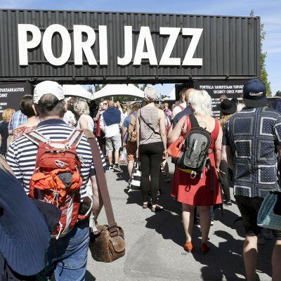 Jonoa Pori Jazz-festivaalille.
