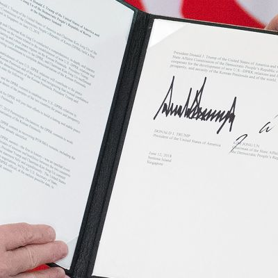 Kim Jong-unin ja Donald Trumpin Singaporessa allekirjoittama sopimus.
