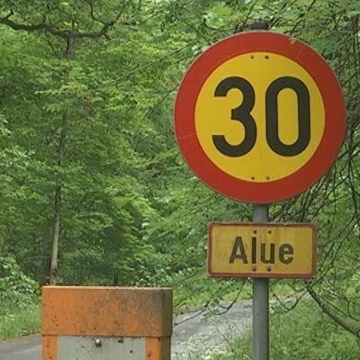 nopeusrajoitus Aulangon metsäreitillä