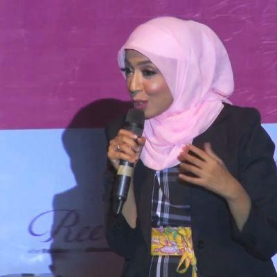 Stand up -koomikko Sakdiyah Ma'ruf saa yleisönsä ulvomaan naurusta