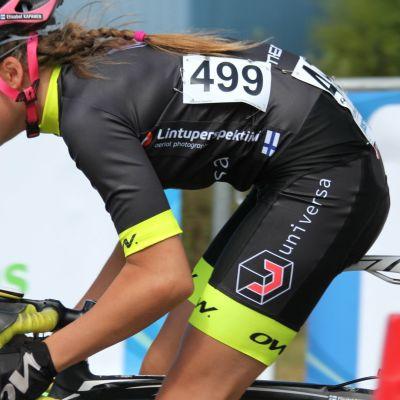Elisabeth Kapanen pyöräkisassa