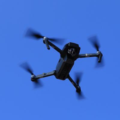 Drooni lennossa.