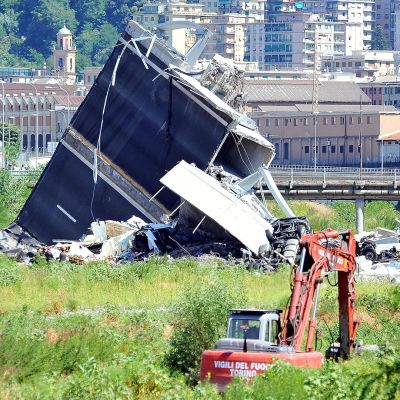 Siltaonnettomuuden pelastustyöt jatkuvat Genovassa