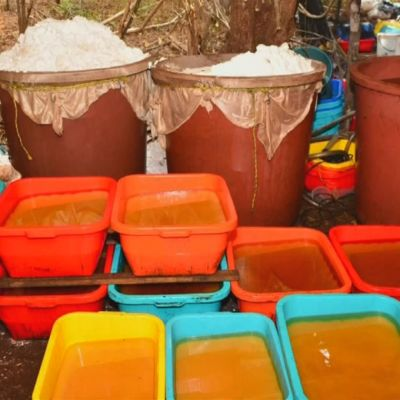 Metamfetamin och kemikalier som behövs för narkotikatillverkning togs i beslag i Mexiko i augusti 2018.