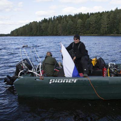 Armeijan vene ja miehistö.
