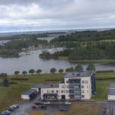 Raahen tornitalon näkymät Raahen saaristoon.