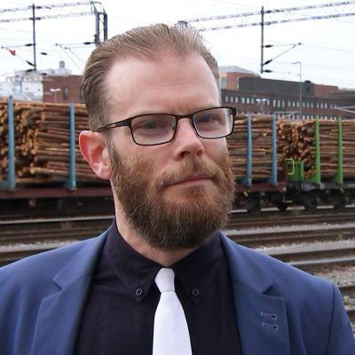 Asianajaja Tommi Koivistoinen.