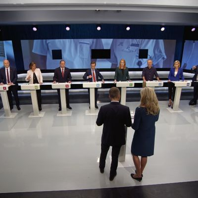 Vaaliväittely SVT:n studiossa Tukholmassa perjantaina.