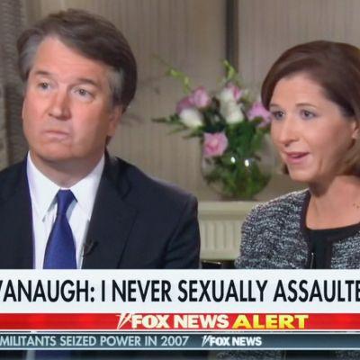 Brett Kavanaugh Fox Newsin haastattelussa yhdessä vaimonsa kanssa.