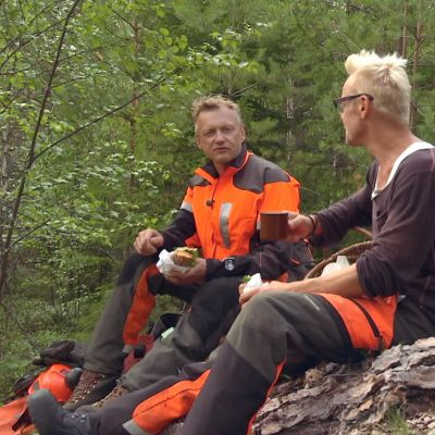 kaffepaus i skogen
