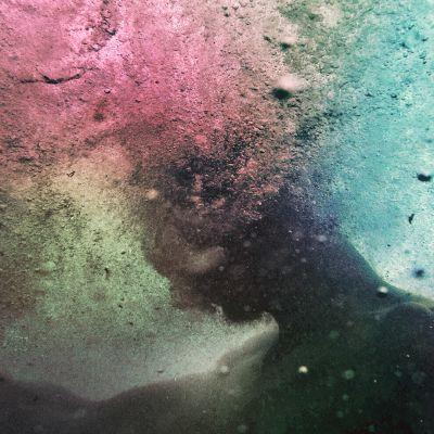 Kuvituskuva: henkilö veden alla.
