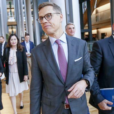 Alexander Stubb kampanjoi Euroopassa saadakseen EPP-ryhmän kärkiehdokkaan paikan tämän kevään eurovaaleihin.