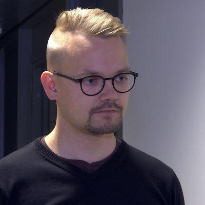 Eana- ja meahccedoalloministara sierraveahkki Teppo Säkkinen