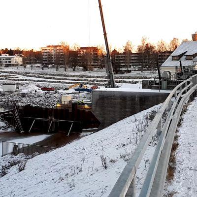 Stadforsin voimalaitostyömaa Uudessakaarlepyyssä.