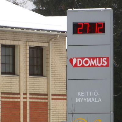 Domuksen tehdas Korialla