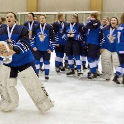 Tyttöleijonat MM-kisoissa 2019.