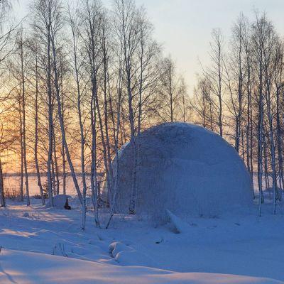Dome eli kupoli Kemin Mansikkanokan aallonmurtajalla
