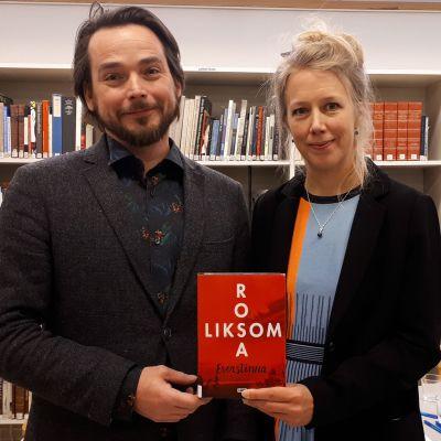 Rosa Liksomin romaani Everstinna Pekka ja Teija Isorättyän käsissä