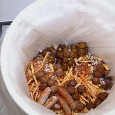 Älybiojäteastia kertoo, paljollako ruokaa menee roskiin