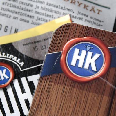 HK:n logoja elintarvikeyhtiön tuotteissa.