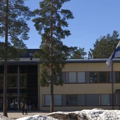 Suruliputus Huutjärven koululla