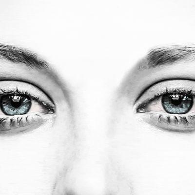 Itkuiset silmät