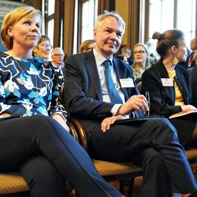 Anna-Maja Henriksson (rkp),  Pekka Haavisto (vihr.), Li Andersson (vas.) ja Antti Rinne (sd.) hallitusneuvotteluissa torstaina 9. toukokuuta.