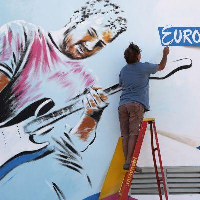 """Euroviisut alkavat Tel Avivissa - avajaisiin saapumisia """"oranssilla matolla"""""""