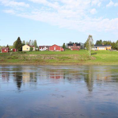 Ounasjoki ja kaukosen kylä