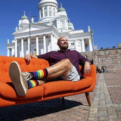 Kuinka tärkeä kirkon virallinen läsnäolo on Pride-viikolla ?