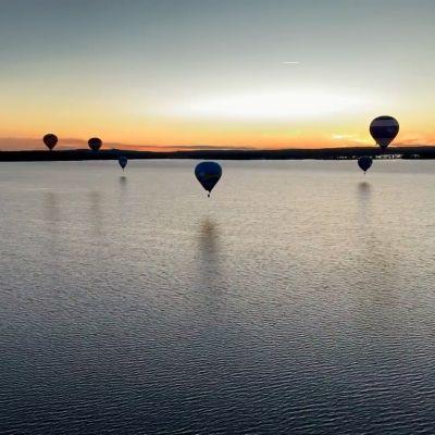 Harvoin tarjolla: kuumailmapallot kesätaivaalla keskiyöllä.