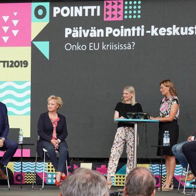 Europarlamentaarikot  Pointti-tapahtumassa.