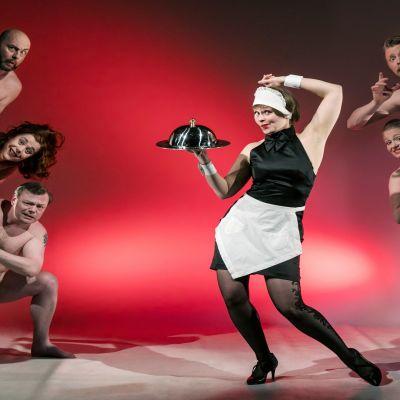 Kemin kaupunginteatteri Näytelmä Farssi Älä pukeudu päivälliselle