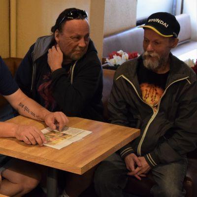 Seppo Makkonen , Ari Virtanen, Tomi Aaltonen ja Pekka Rötkönen kokoontuivat vielä kerran muistelemaan Masan Baarin vaiheita.