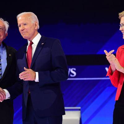 Senaattori Bernie Sanders (vas.), entinen varapresidentti Joe Biden, sekä senaattori Elizabeth Warren mittelivät ehdokkuudesta Houstonissa Texasissa 12. syyskuuta.