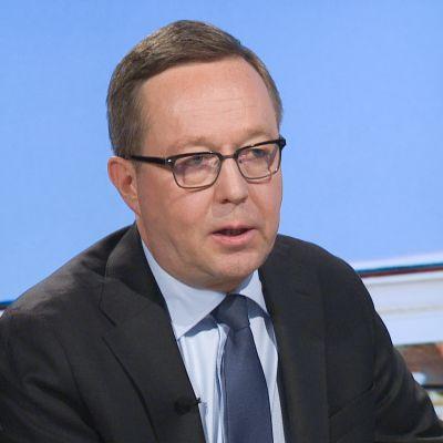 Valtiovarainministeri Mika Lintilä A-studion vieraana hallituksen talousarvioneuvottelujen päätyttyä Säätytalolla 17. syyskuuta.
