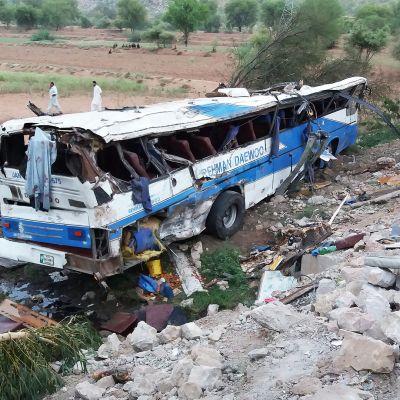 Bussionnettomuus Kohatissa, Pakistanissa elokuussa 2018.