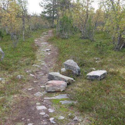 Hajotettu kivimerkki
