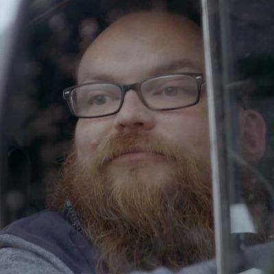 Jussi Kulonen autossa