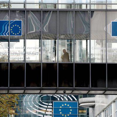 EU-sisäministerien tiedotustilaisuus kello 17 - vääntöä turvapaikanhakijoista