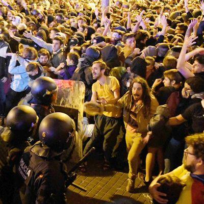 Kataloniassa osoitetaan mieltä itsenäisyyden puolesta