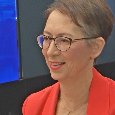 Sari Essayah TV1:n Ykkösaamussa.