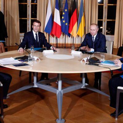 Itä-Ukrainan tilanteesta on neuvoteltu tänään Pariisissa