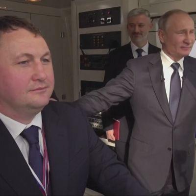 Putin avasi junayhteyden Krimille