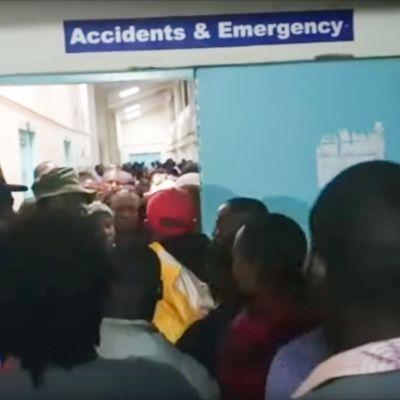 Kuvakaappaus Daily Nationin julkaisemasta videosta Youtubessa. Kuva on Kakamegan sairaalasta, jonne oppilaita vietiin hoitoon.