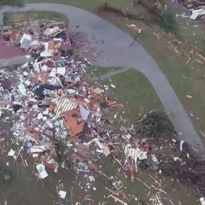 Förstörelse efter tornador i Tennessee