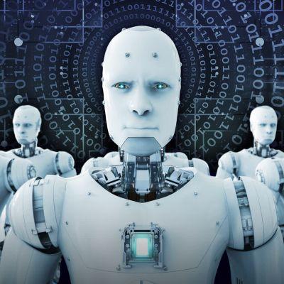 Robottien armeija katsoo kohti kameraa.