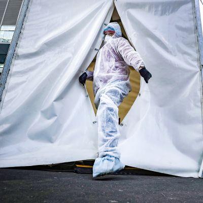 Koronaviruksen testausteltta Moskovassa.