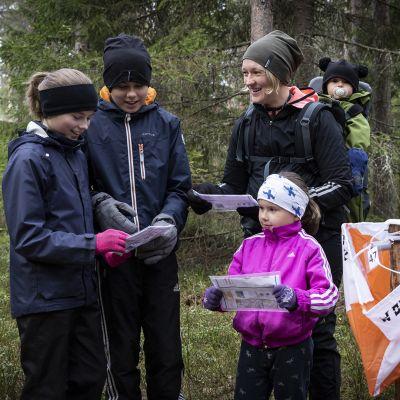 Poikkeuskevät houkutteli suomalaiset luontoon suunnistamaan