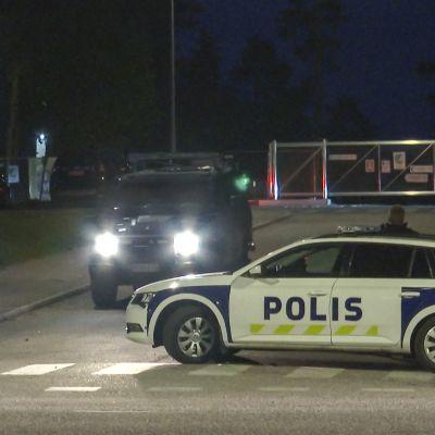 Espoon Mäkkylässä räjähdys poliisioperaation yhteydessä.